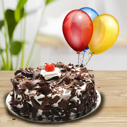 Ecstatic 1 Kg Black Forest Cake with 5 Balloons