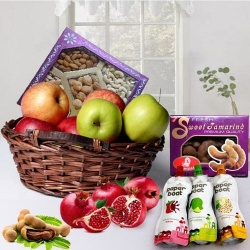 Heathly Hamper of Fruits N Dry Fruits for Mummy