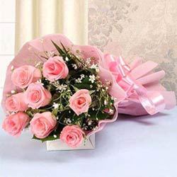 Eye-Catching Assemble ofPink Color Roses in Bouquet