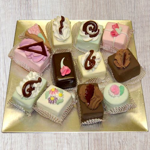 Send Online Assorted Pastries From Taj Or 5 Star Hotel Bakery