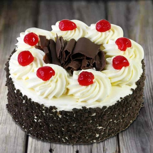 Gift Online Black Forest Cake from 3/4 Star Bakery