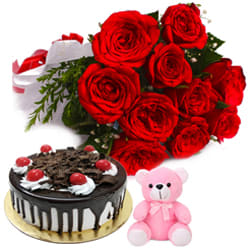 Delicate Red Color Roses Bouquet woth Other Assortments