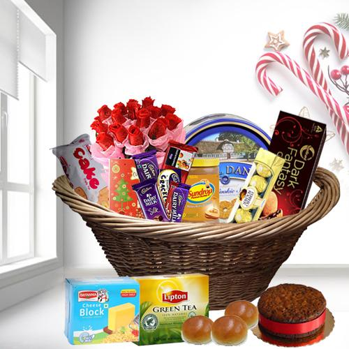 Rich and Fancy Christmas Gift Hamper