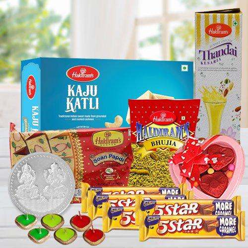 Classy Gift Basket of Deepawali Treats