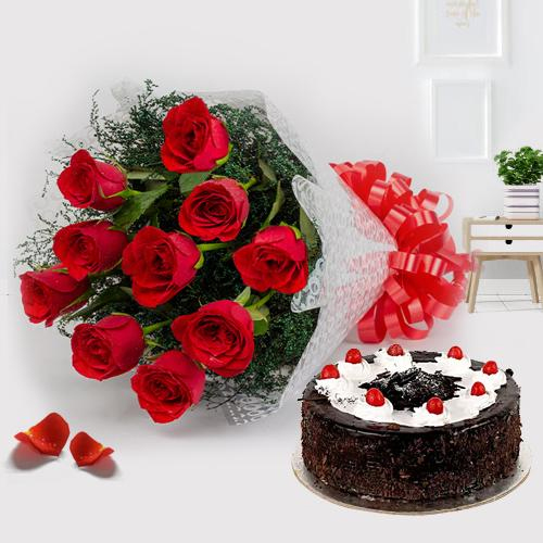 Gift Online Red Roses with Black Forest Cake