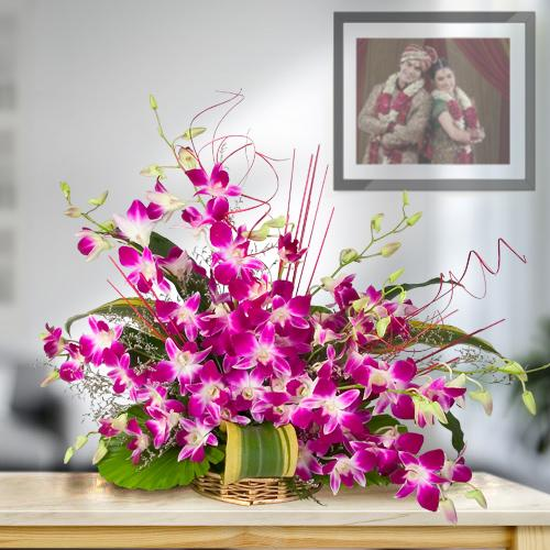 Divine 10 Fresh Orchids in a Beautiful Bouquet