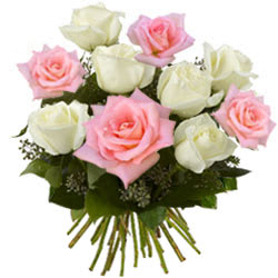 Gift Bunch of Pink n White Roses Online