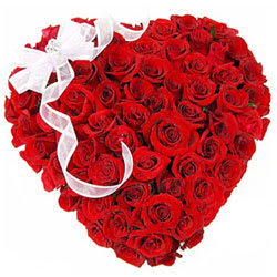 Buy Red Roses Arranged in Heart Shaped Online