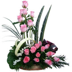 Stimulating Premium Arrangement of Pink Roses with Lots of Greens