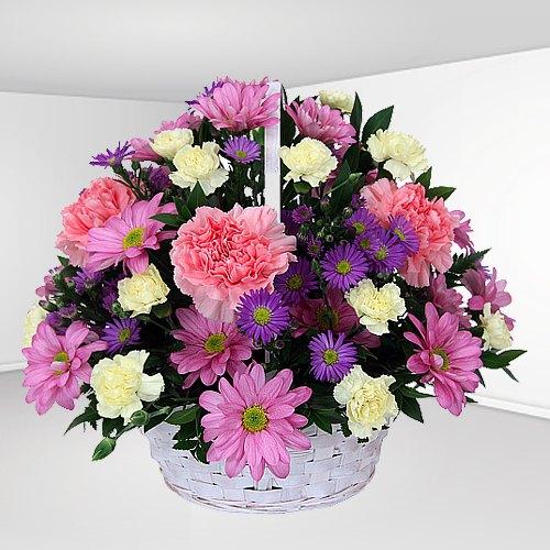 Gift Basket of Roses N Carnations Online