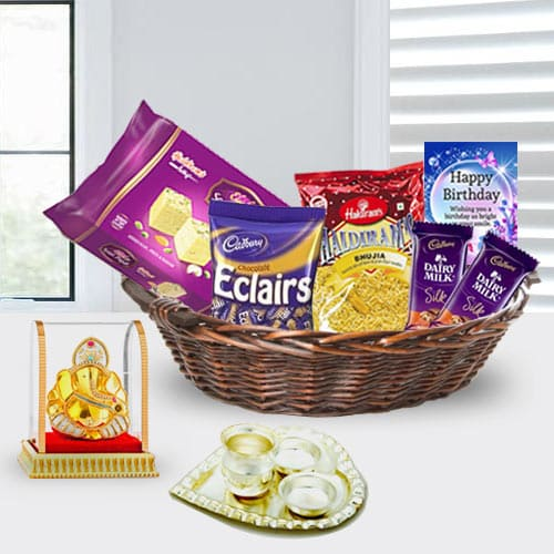 Be Happy By Sending This Ravishing Birthday Gift Basket For Girlfriend And See The Joy It Brings To Their Life Items Presented In Charming Hamper